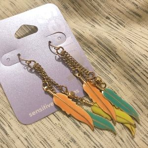 🆕 Claire's Feather Drop Dangle Earrings